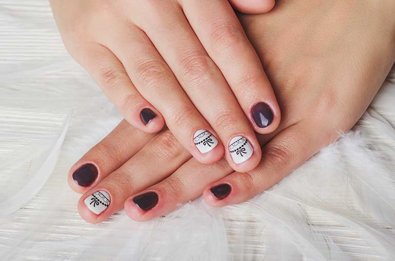 Amazing Ideas to Manicure Short Nails - Nailschick
